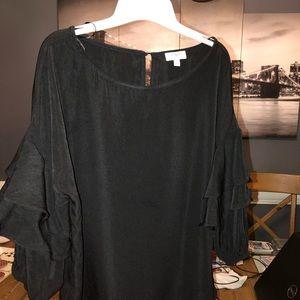 Umgee black top bell sleeves sz medium